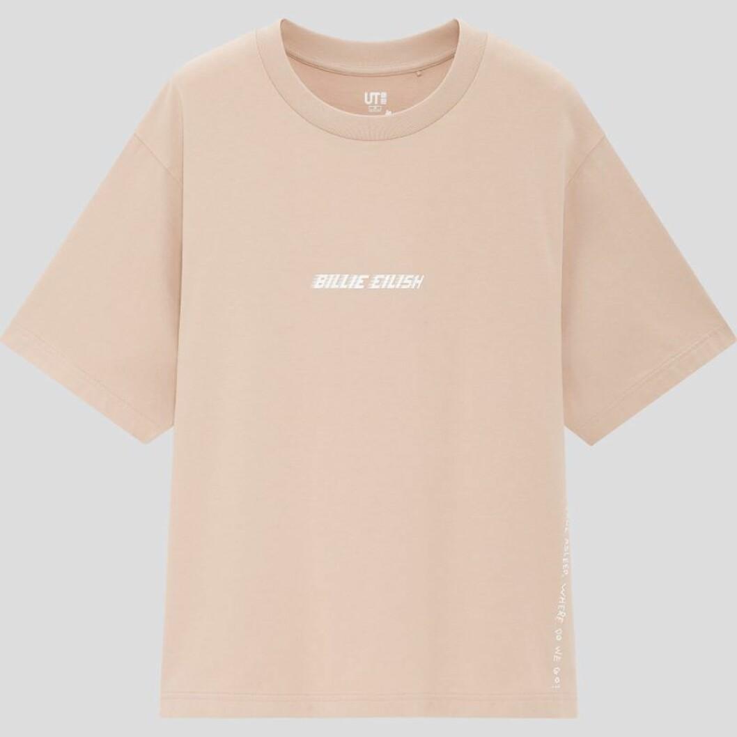 Billie Eilish x Takashi Murakami för Uniqlo: beige t-shirt med tryck