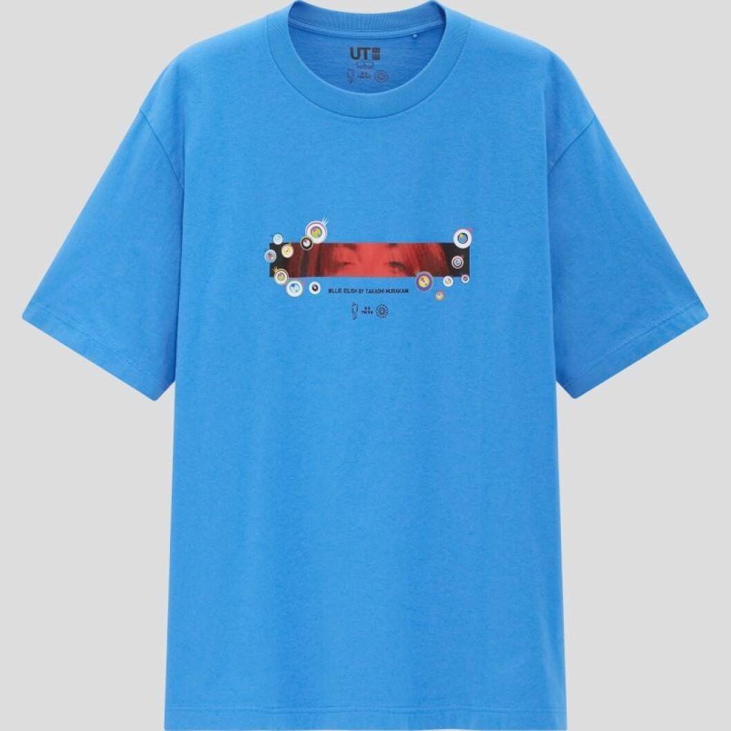 Billie Eilish x Takashi Murakami för Uniqlo: Blå t-shirt för herr