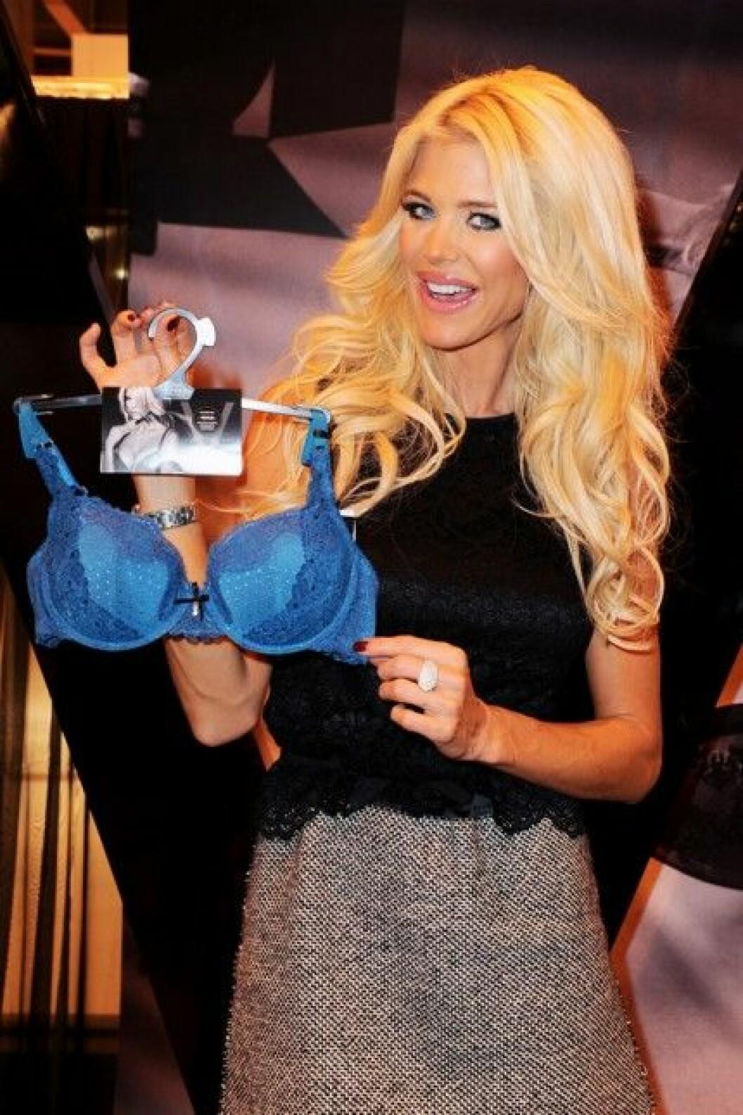 Victoria Silvstedt lanserar underkläder i samarbete med Marie Meili.
