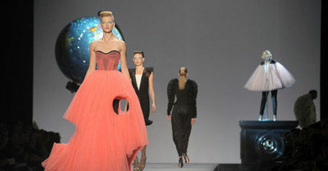 Victor & Rolf S/S 2010.