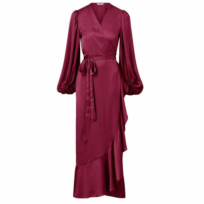 vinröd klänning med volanger från ellos