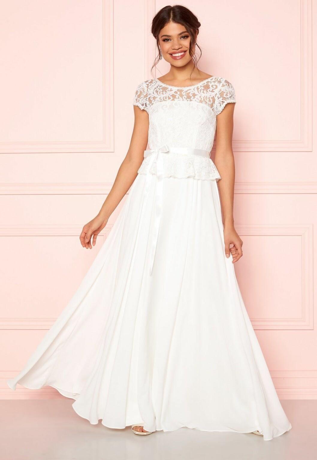 Billig brudklänning från Ida Sjöstedt till 2020