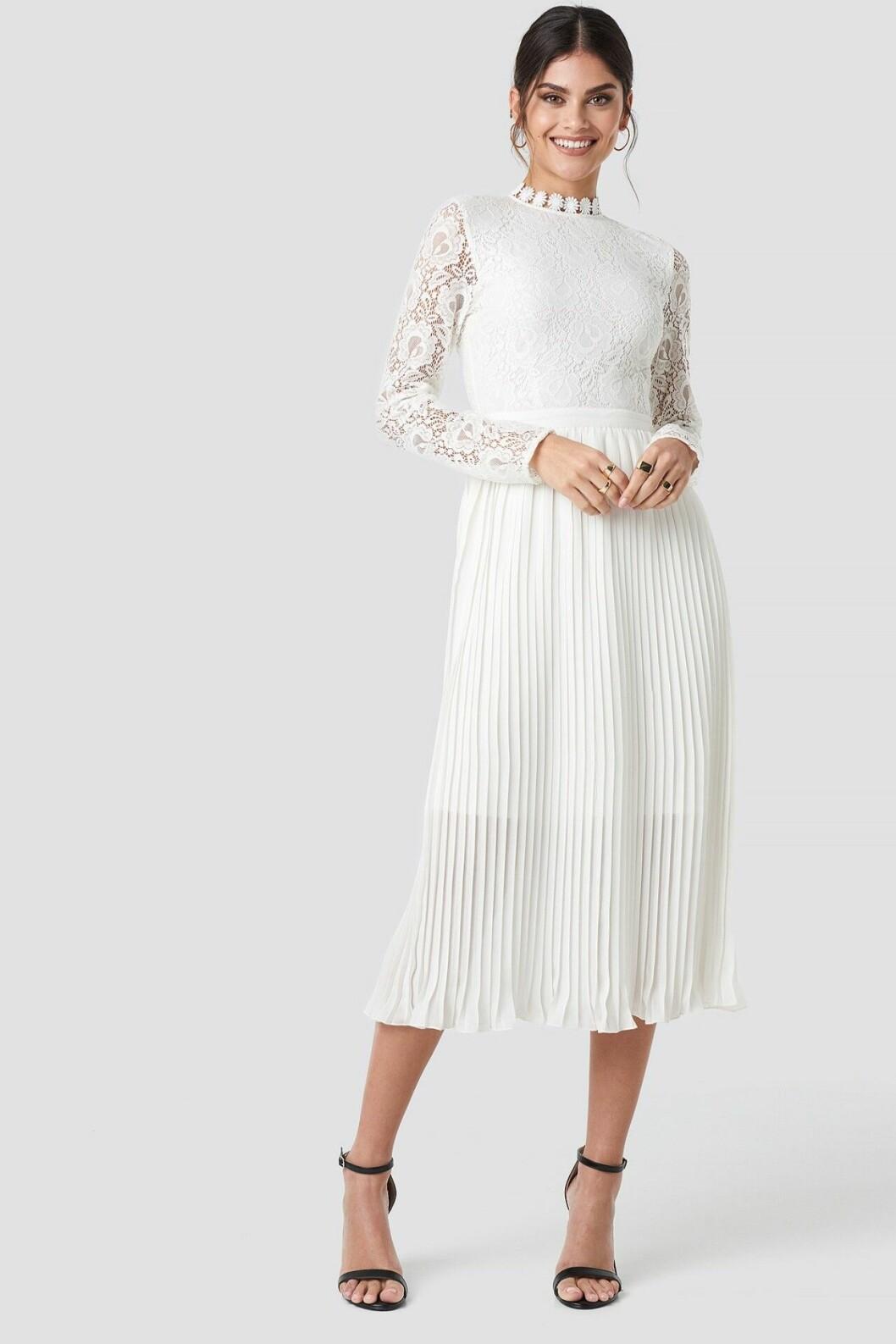 Vadlång vit brudklänning till 2020