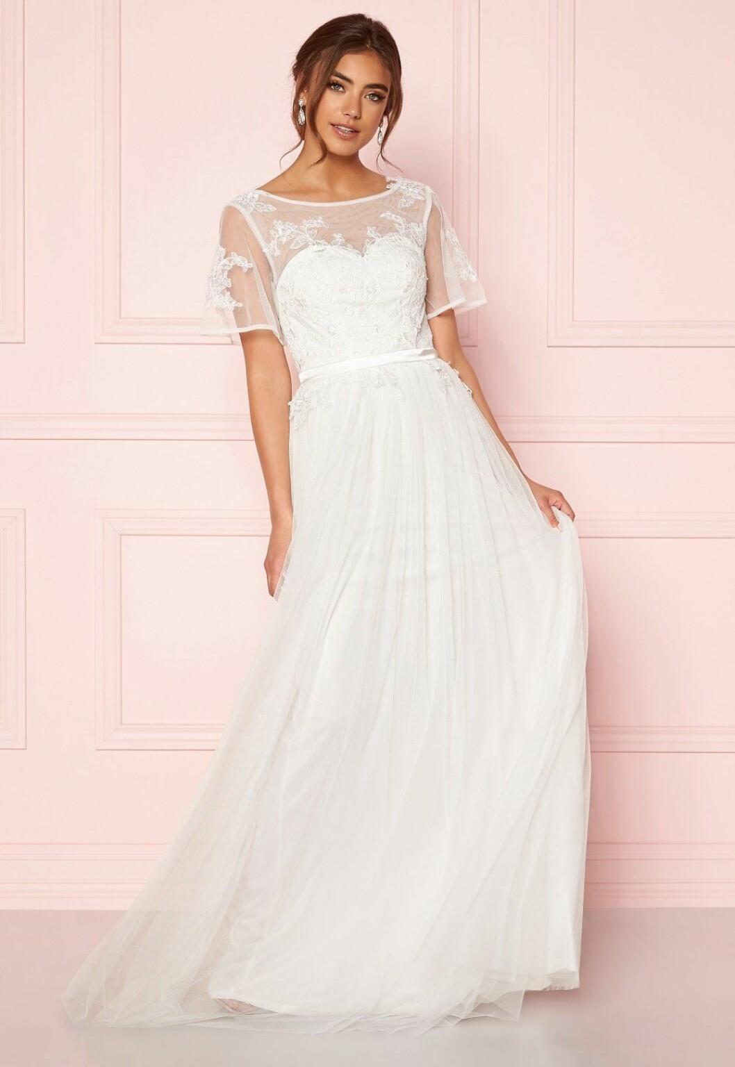 Vit brudklänning i mesh till 2020