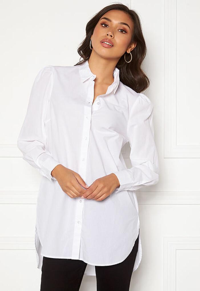 Vit oversized skjorta från Pieces