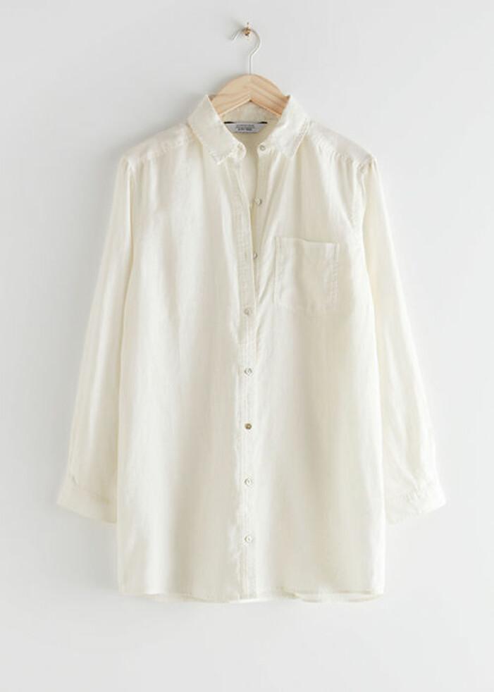 Vit oversized skjorta i linne från & Other Stories