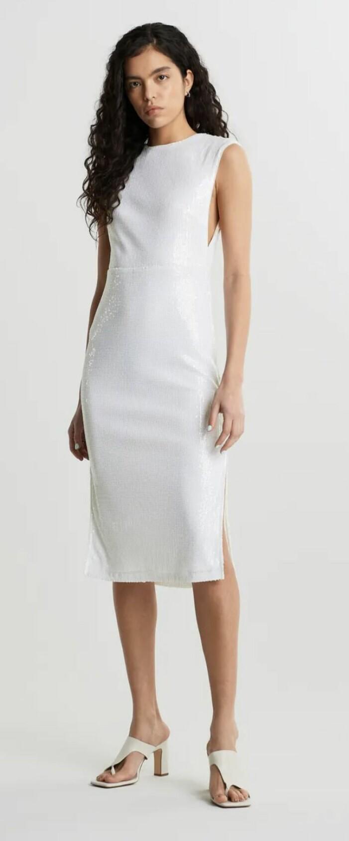 vit paljettklänning från Gina tricot