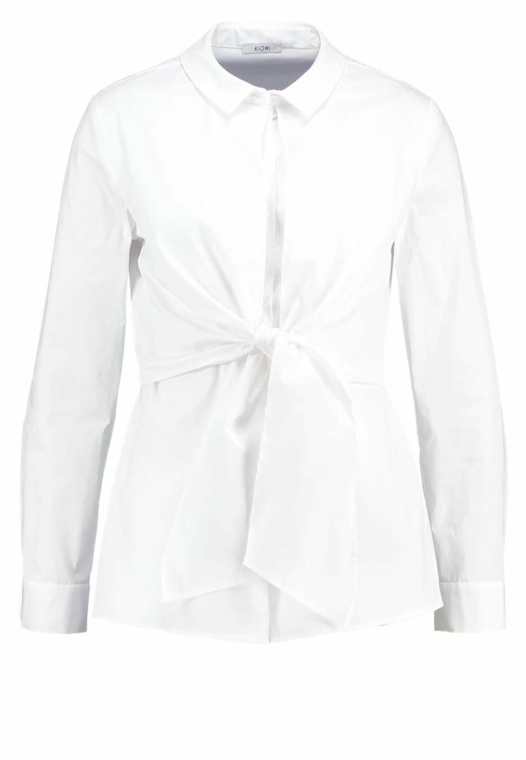 vit skjorta knyt framme