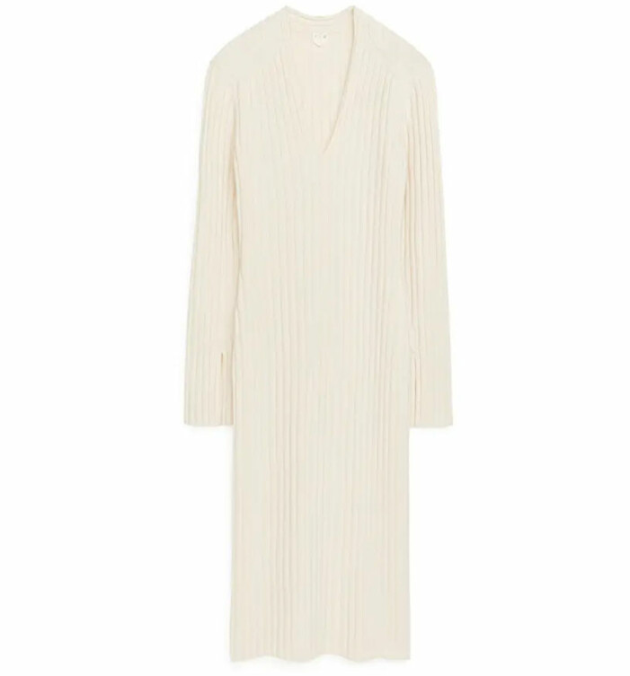 vit stickad klänning arket
