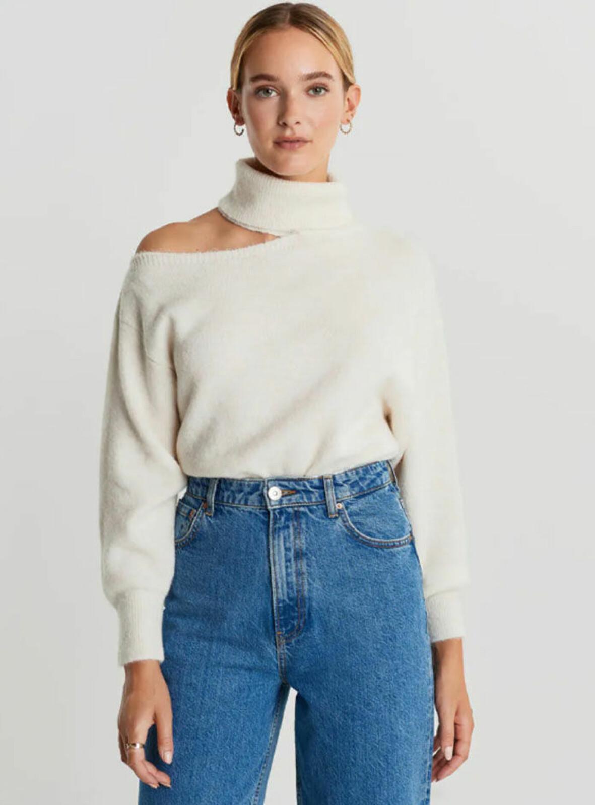 vit-stickad-troja-gina-tricot