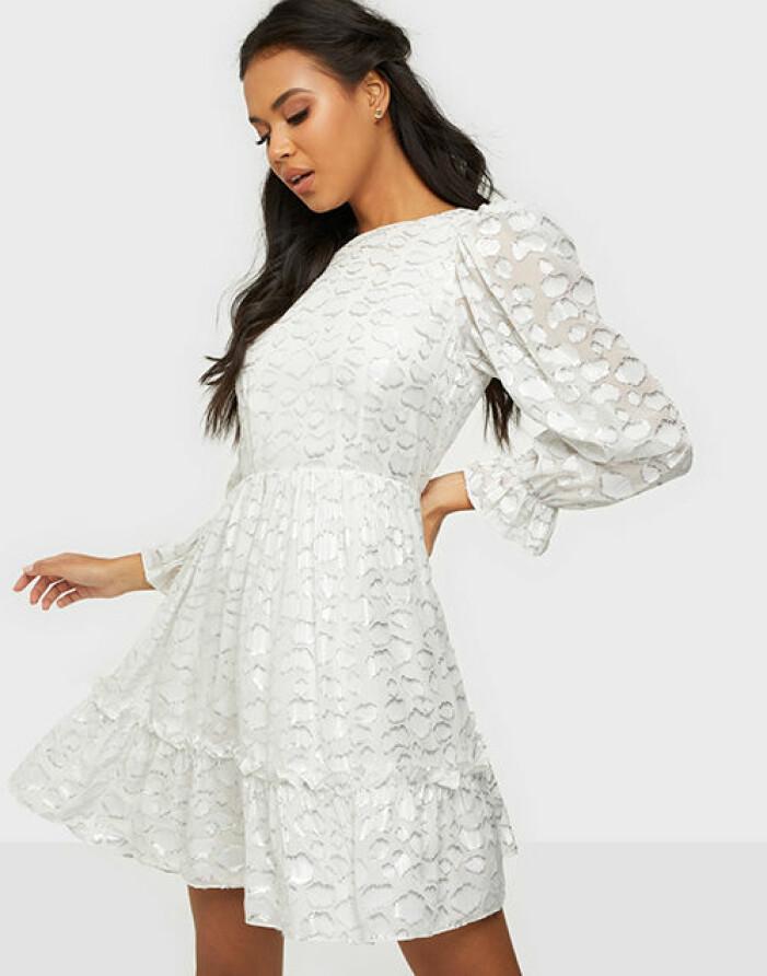 vit studentklänning från by malina