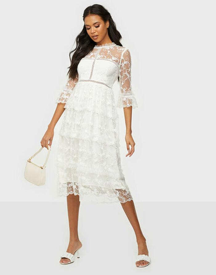vit studentklänning från by malina spets