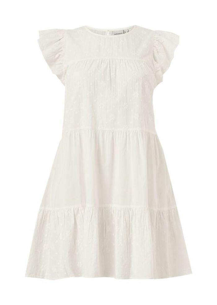vit studentklänning med volanger 2021