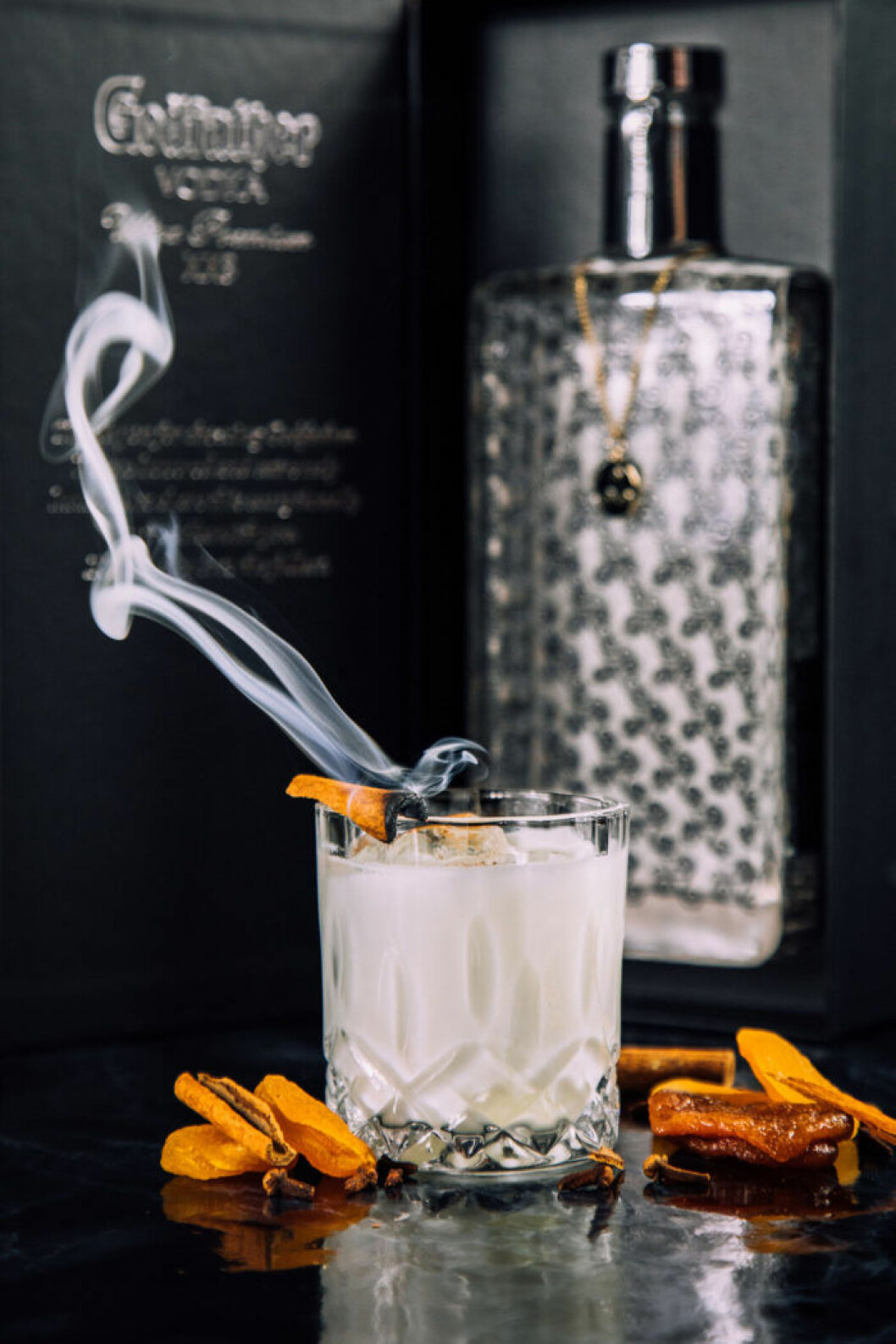 Vodkadrink med spännande smak av aprikos och kanel.