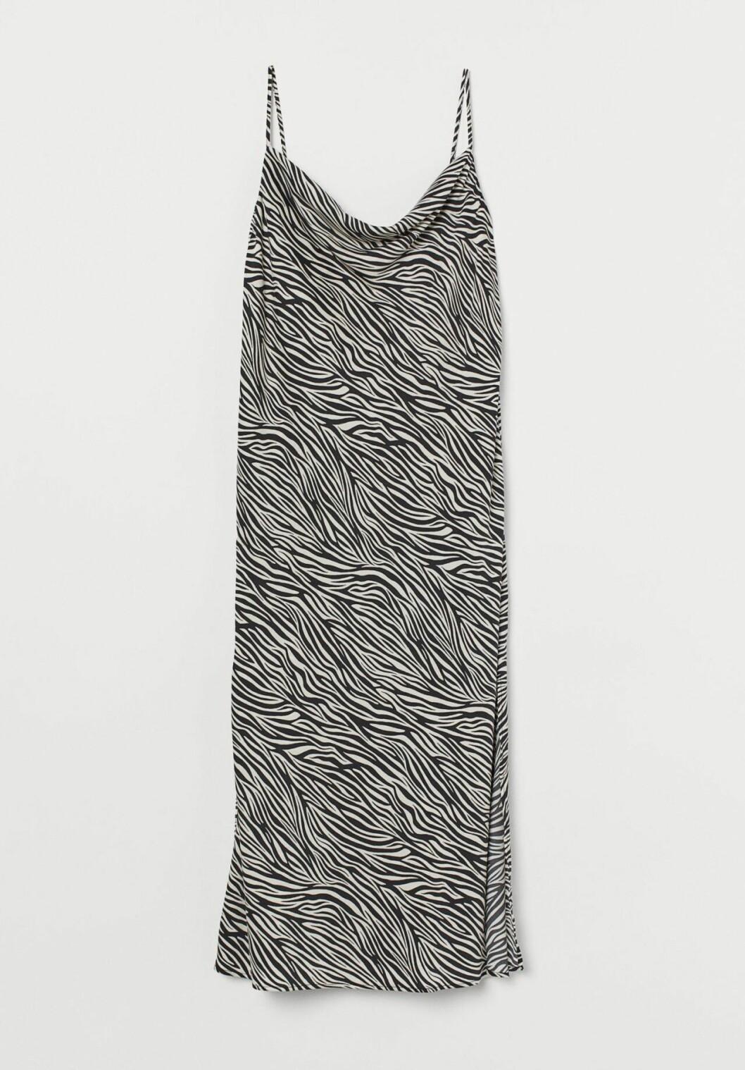 Zebramönstrad slipklänning i satin från H&M